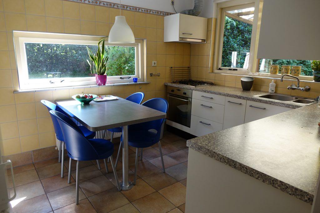 Keuken in vakantiewoning De Zeemeermin te Renesse